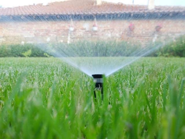 Sistema de riego jardin